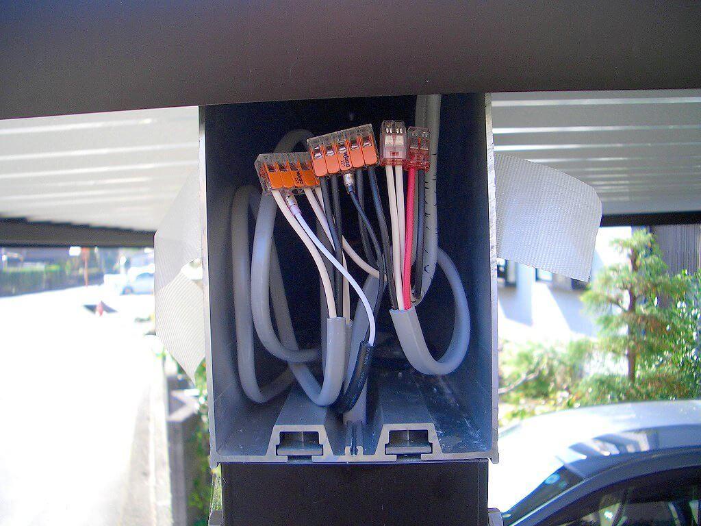 カーポート照明の配線工事(ケーブルの接続部分2)