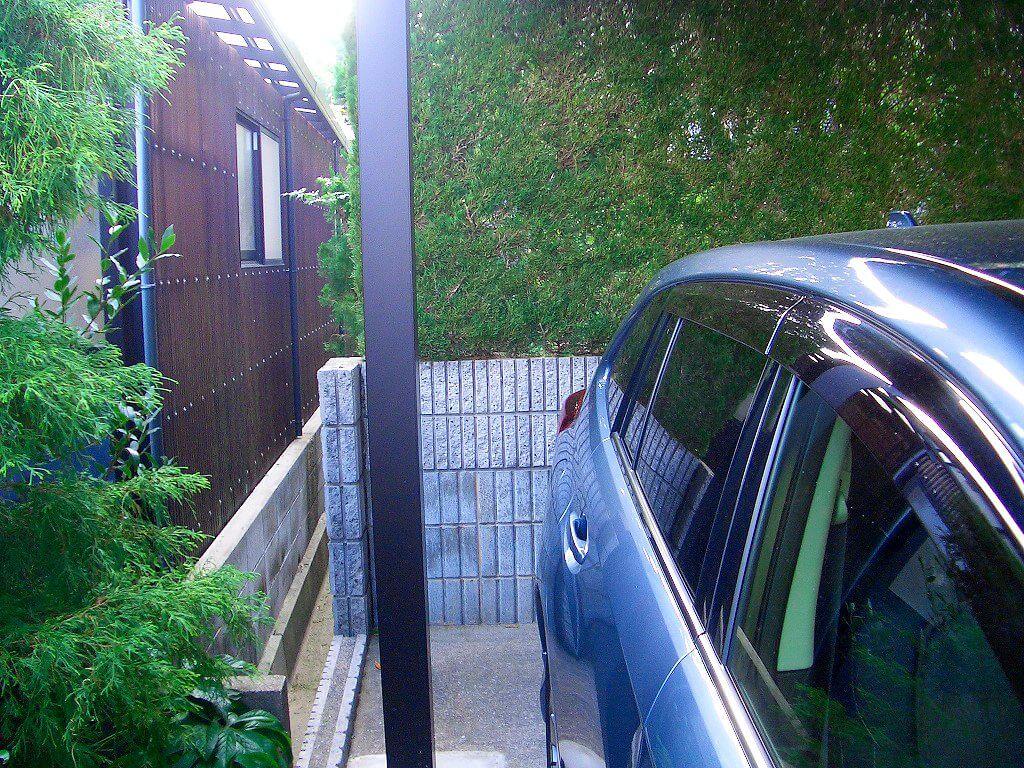 カーポートの柱への配線工事(スイッチ取付予定の柱)