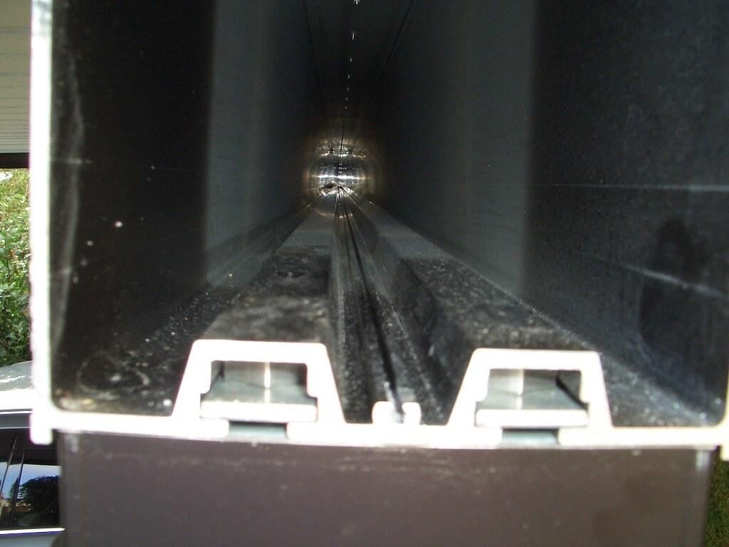 カーポート(YKK レオンポートneo)の梁の中