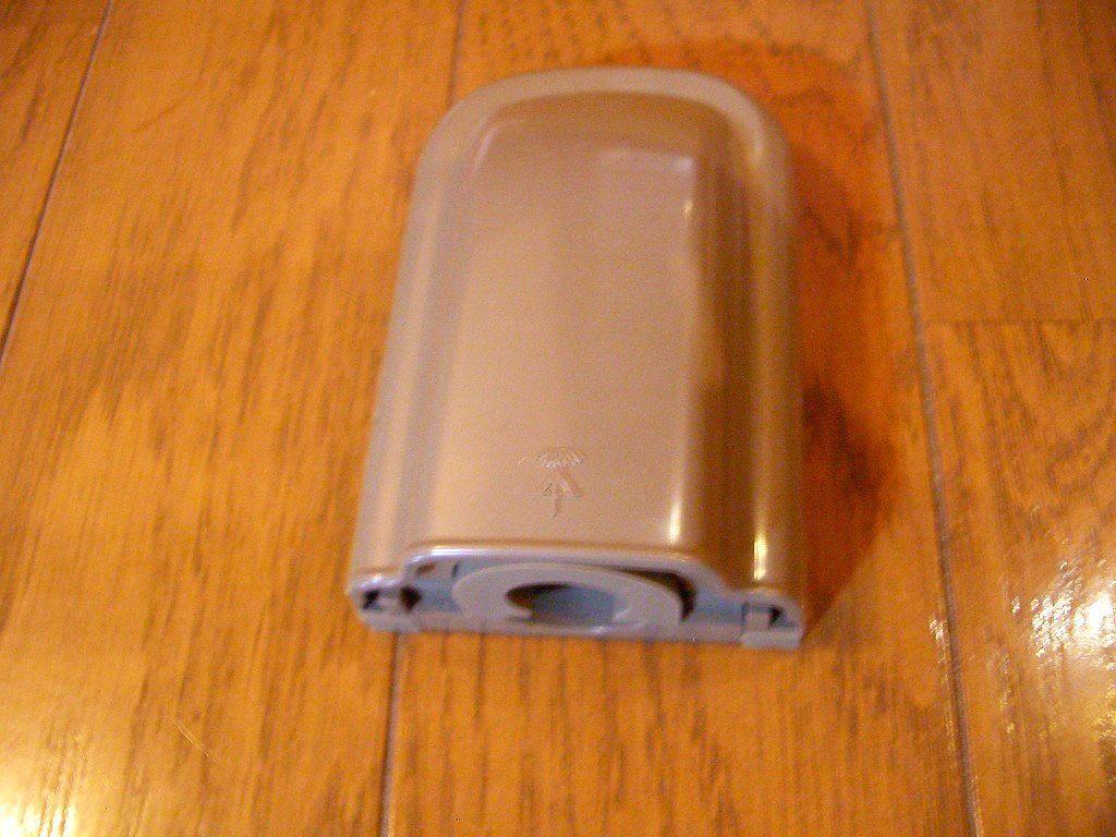 カーポート照明に必要な材料(防水引き込みカバー)